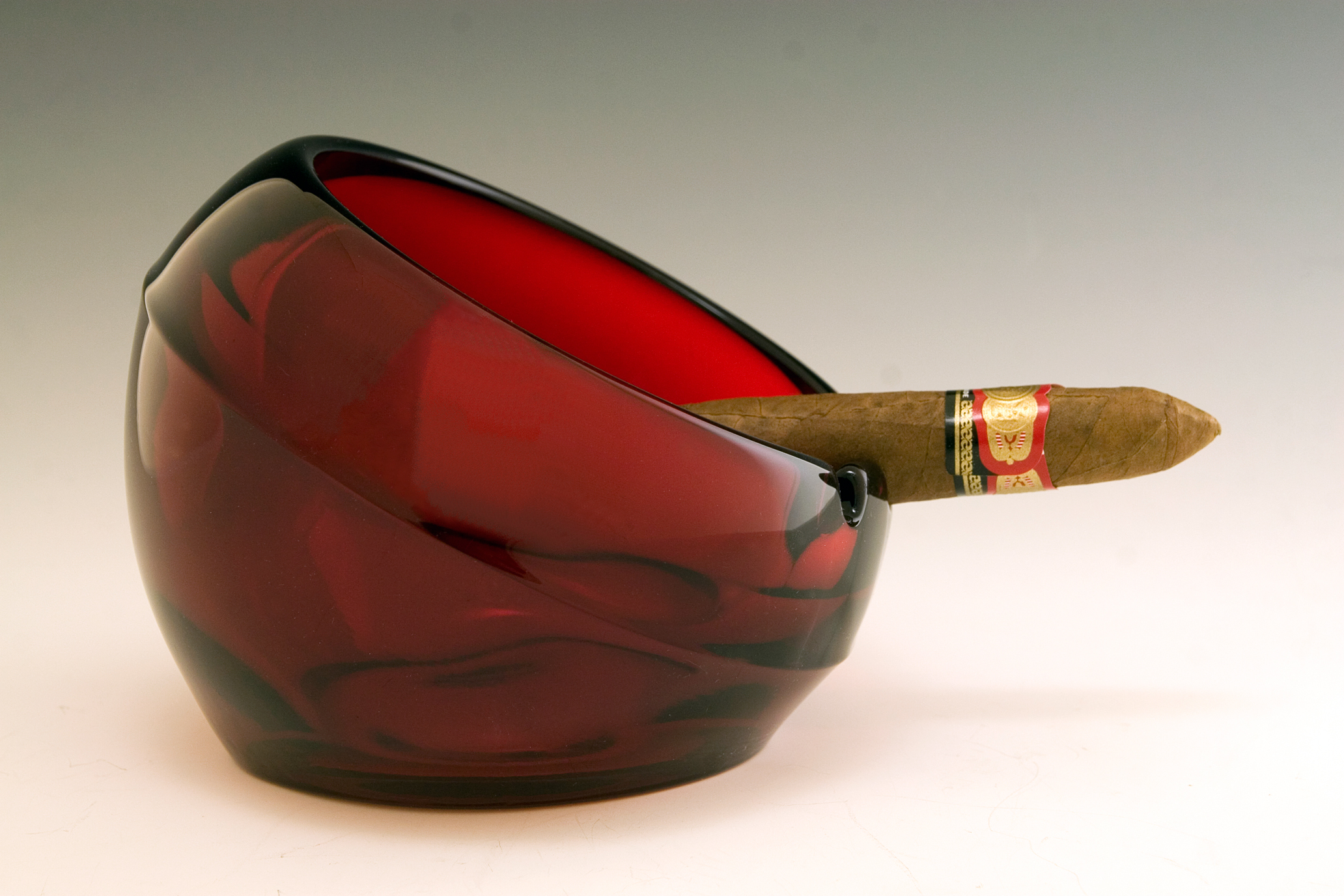 Vintage Cigar Ashtray 108