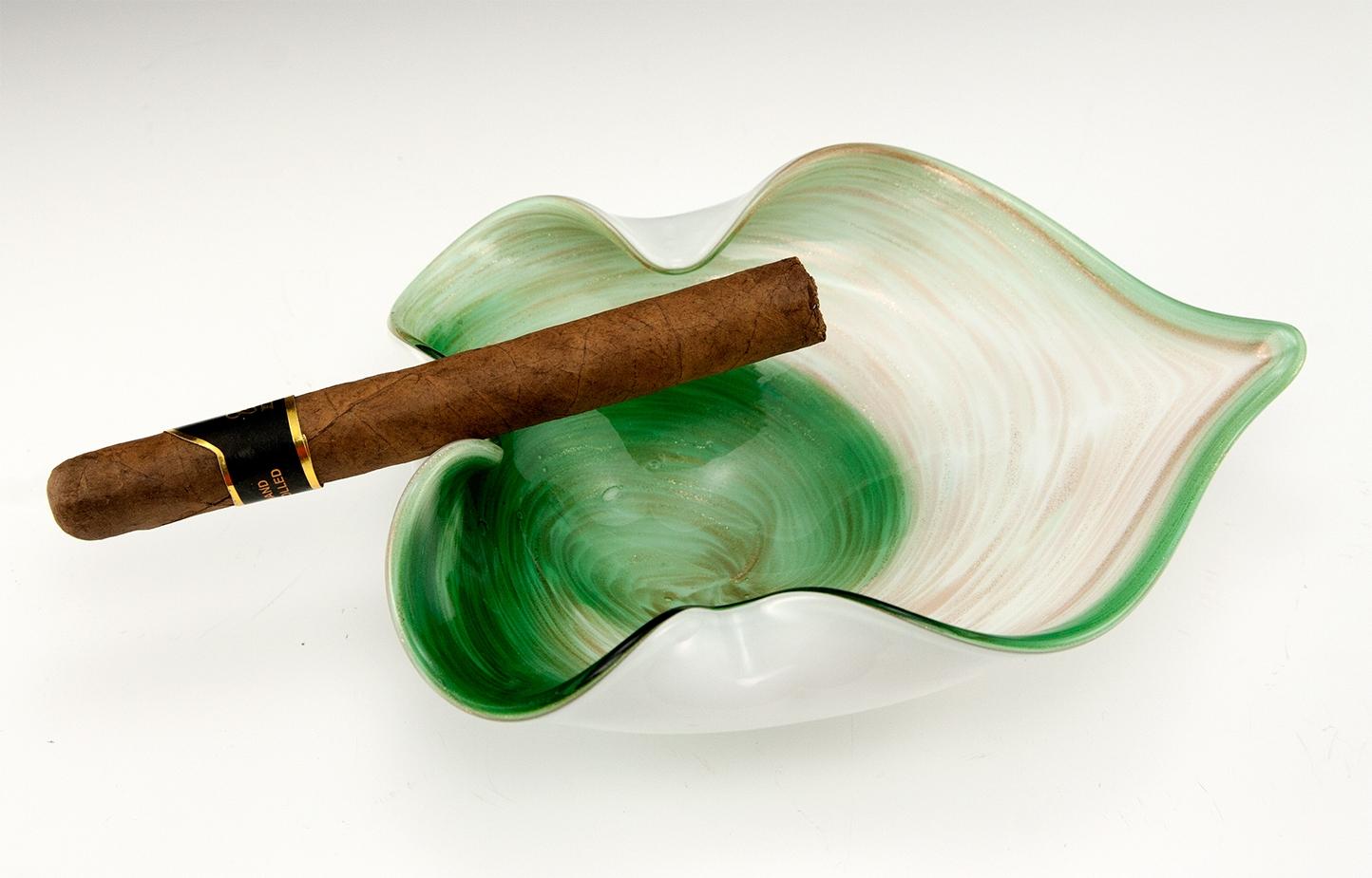 murano art glass ashtray with copper aventurine big ashtray. Black Bedroom Furniture Sets. Home Design Ideas
